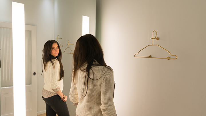 Philips Lighting PerfectScene fitting room: Fitting room mirror lights that help customers make smarter purchases