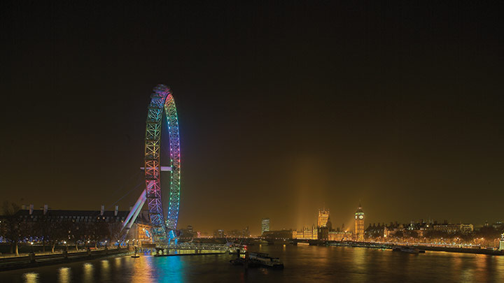 Le London Eye brille de mille couleurs