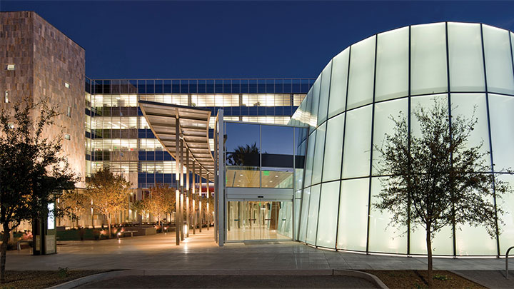 Philips exterior lighting illuminating Chandler city hall